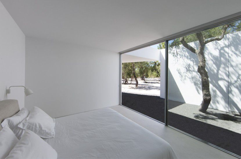 HOUSE IN THE ALENTEJO COAST BY AIRES MATEUS ARCHITECTS