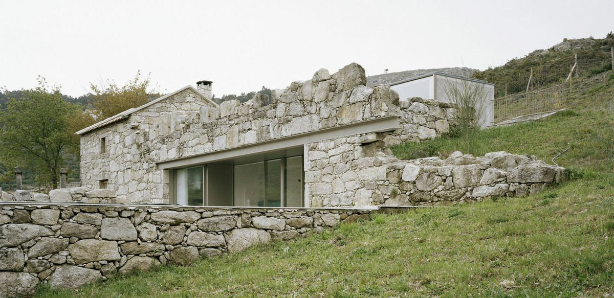 HOUSE IN BRAÇOS, PARADA DO MONTE_MELGAÇO / BY NUNO BRANDAO COSTA ARCHITECT