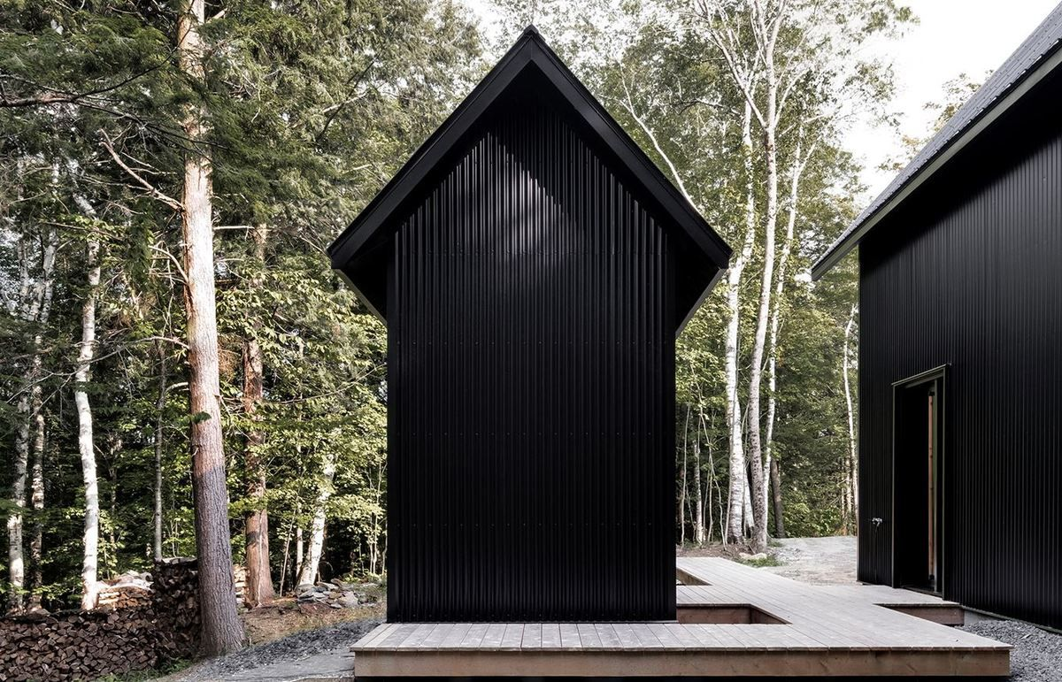 mountain retreats chalet grand pic in quebec canada by appareil architecture arc street. Black Bedroom Furniture Sets. Home Design Ideas