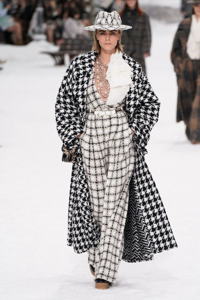 KARL LAGERFELD LATEST COLLECTION / CHANEL AUTUMN WINTER 2019