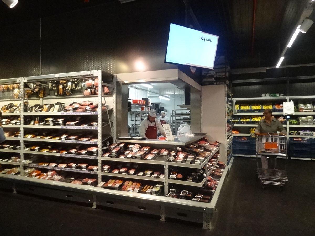 L'espace boucherie judicieusement intégrée à l'espace frais