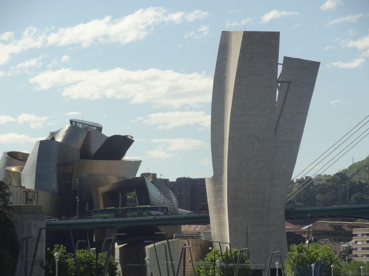 La vue de Bilbao avec au fond le Guggenheim Museum