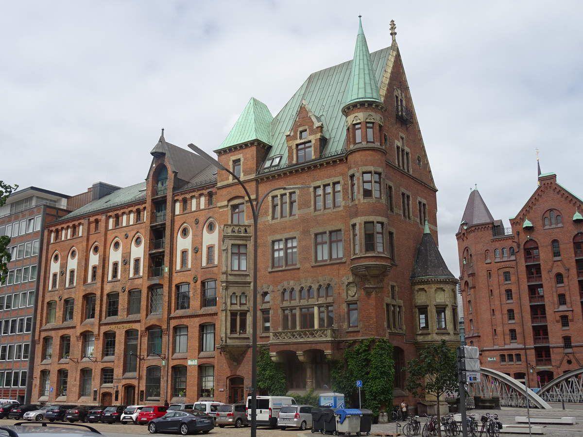 Les bâtiments traditionnels témoignent de l'histoire de la ville