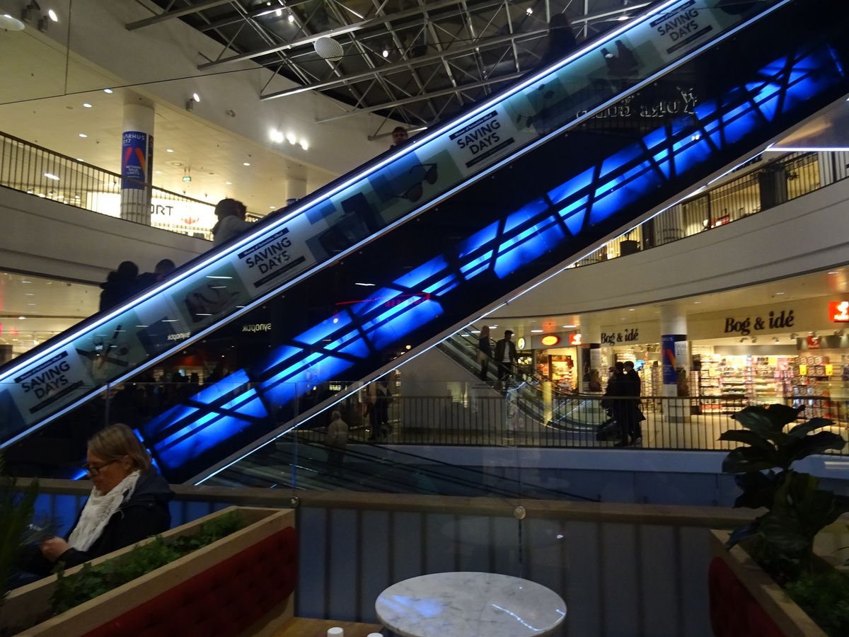 Les escalatators