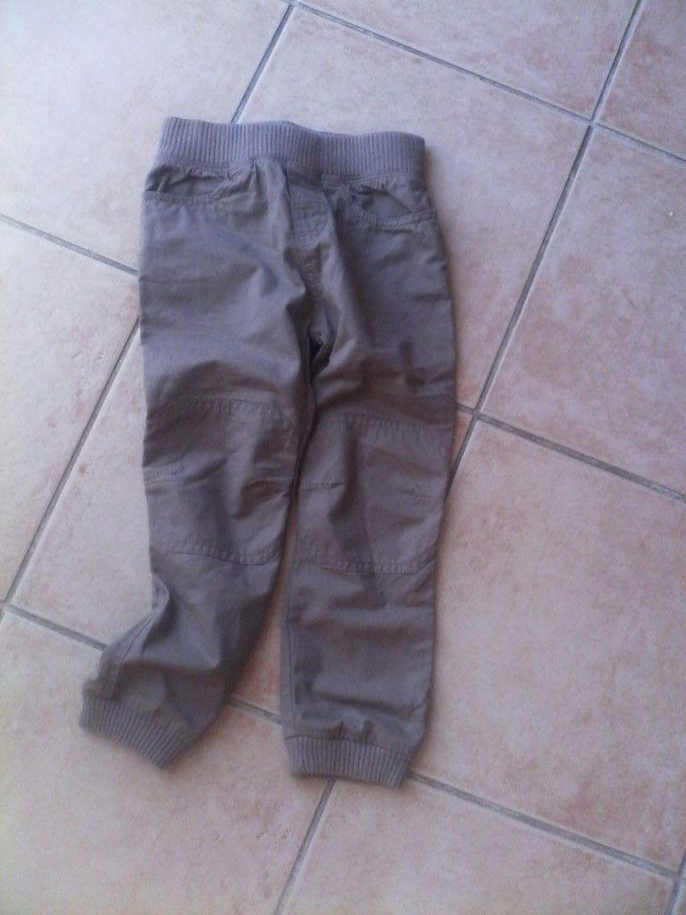 pantalon DPAM/8€76/il est doublé c'est super pratique et ce genre de pantalon fait vraiment petit garçon dynamique