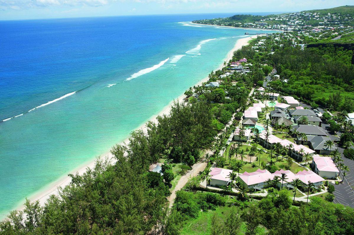 Lagon et site de l'Hermitage à la Réunion (littoral ouest). Aide-toi de ce paysage pour répondre aux questions 8 à 10.