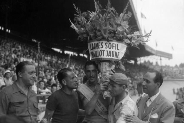 Victoire dans le Tour 1950  (photo L'EQUIPE)