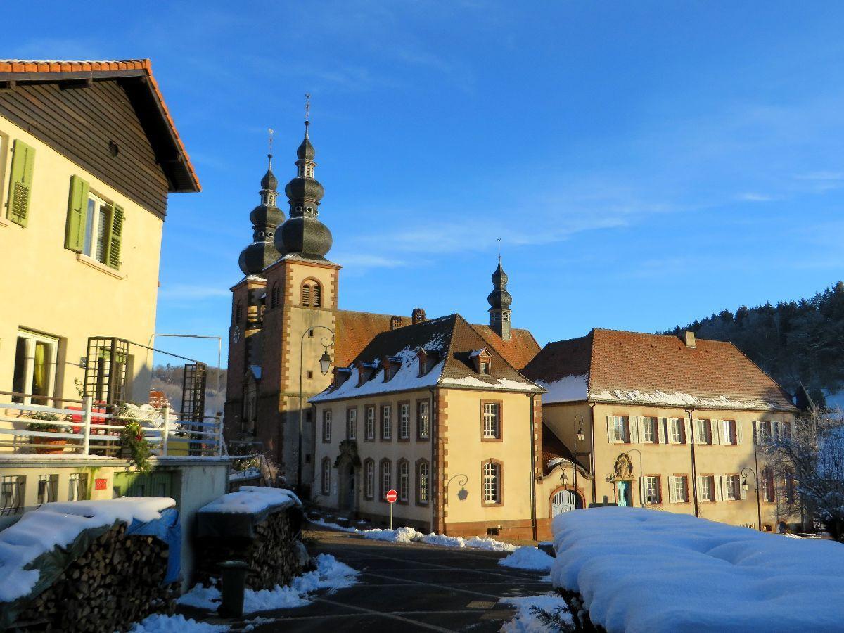 Saint Quirin, son église et l'ancien prieuré