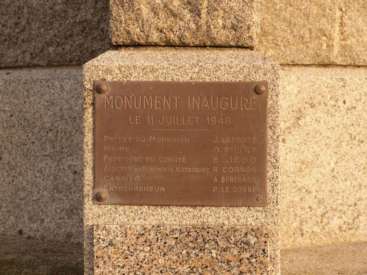 A la mémoire des Martyrs du fort de Penthièvre (Presqu'île de Quiberon)