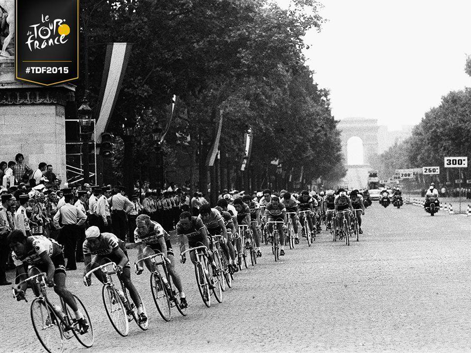 Première arrivée du Tour de France sur les Champs-Elysées, en 1975.