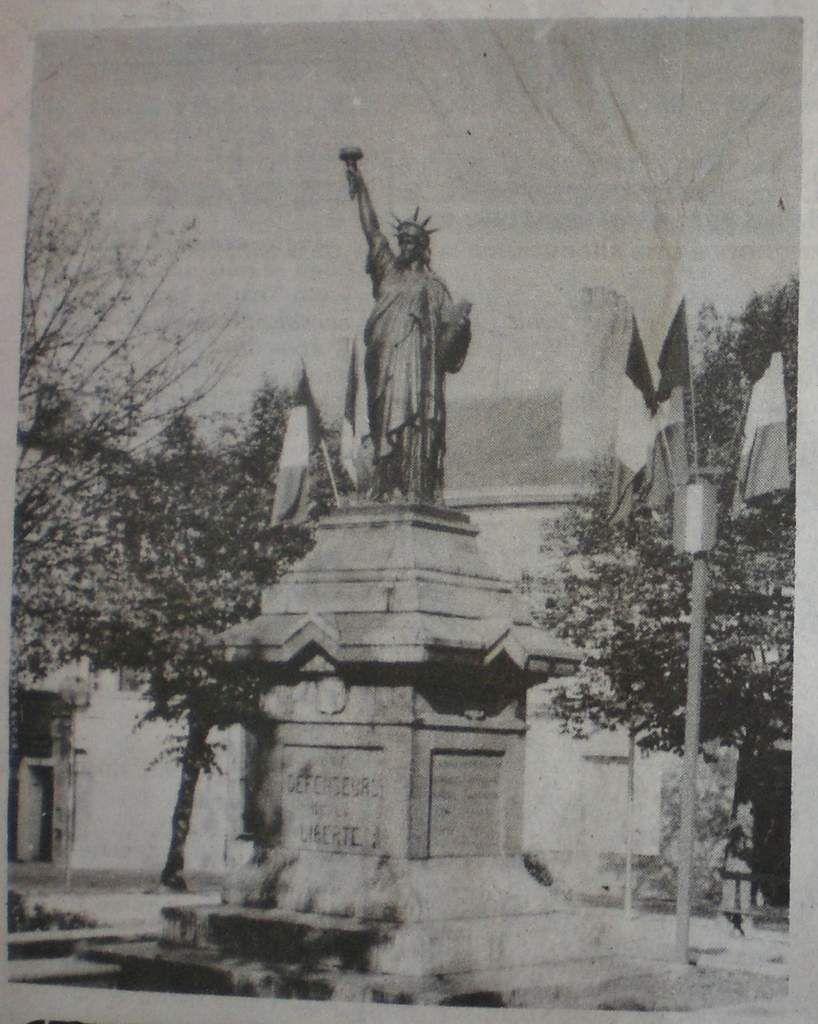 La Statue de la Liberté de Poitiers a été inaugurée le 14 Juillet 1903.