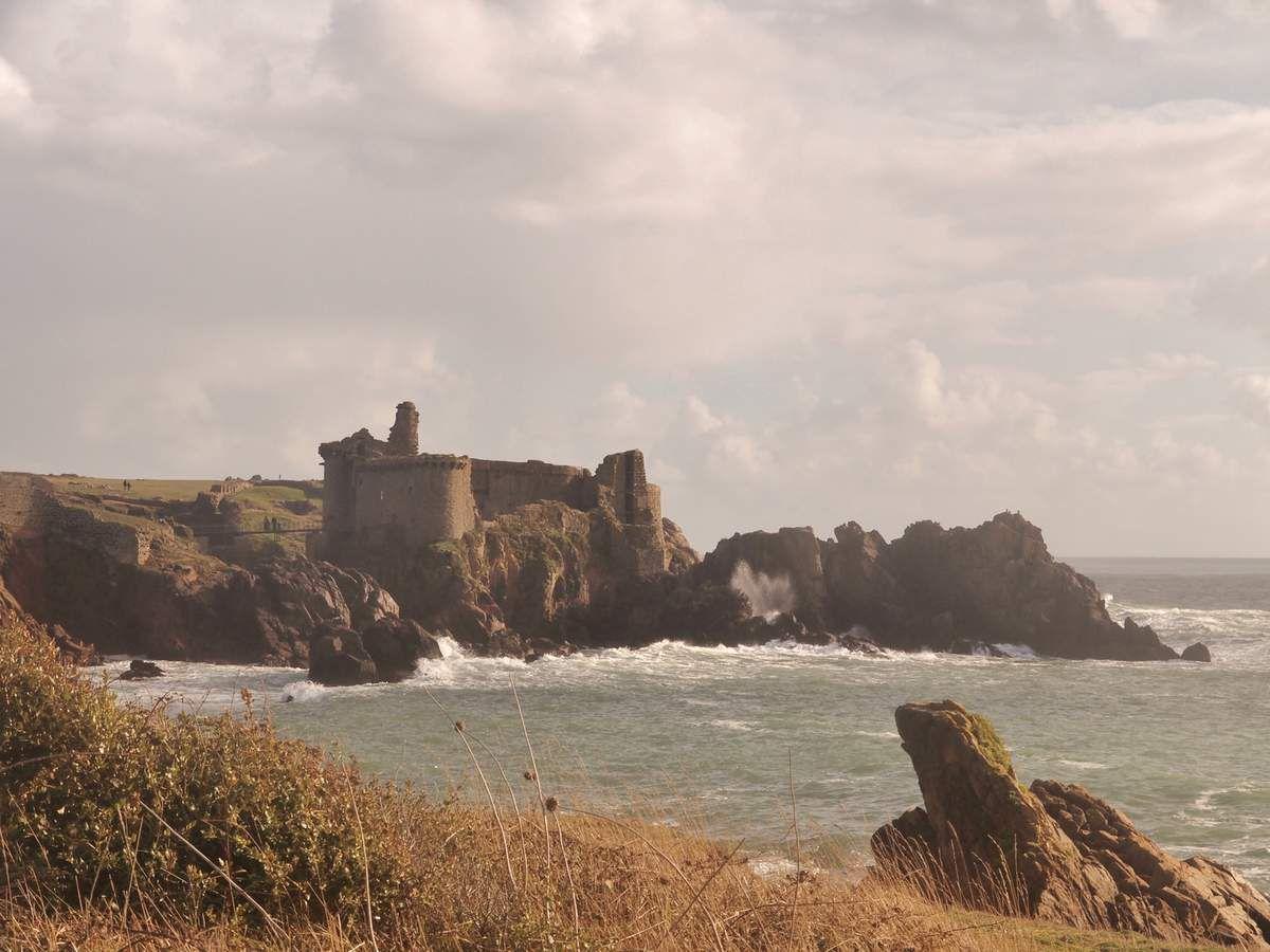 Le Vieux-Château de l'Île d'Yeu (partie I)