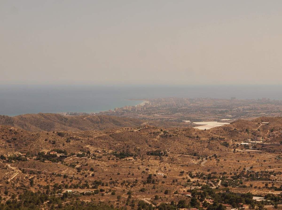 Alicante depuis la Cova del Canelobre.
