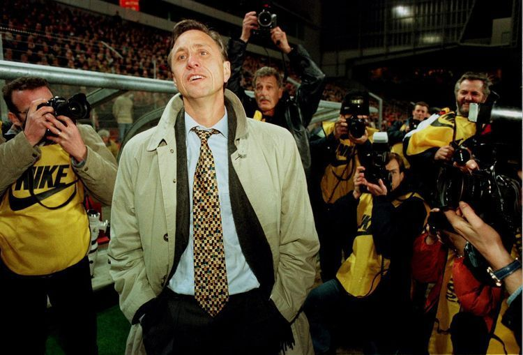 En 1996, Cruyff n'était pas un grand stratège de la cravate. (Photo Reuters)