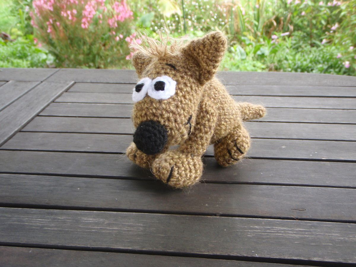 Chien marron, Amigurumi au crochet