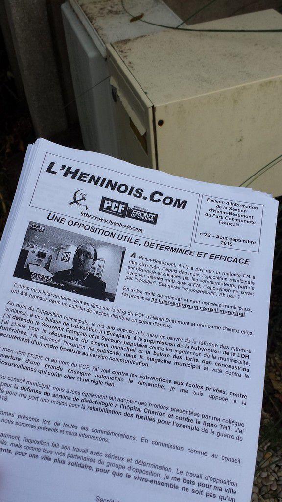 En août, c'est  collage et tractage pour les communistes d'Hénin-Beaumont !