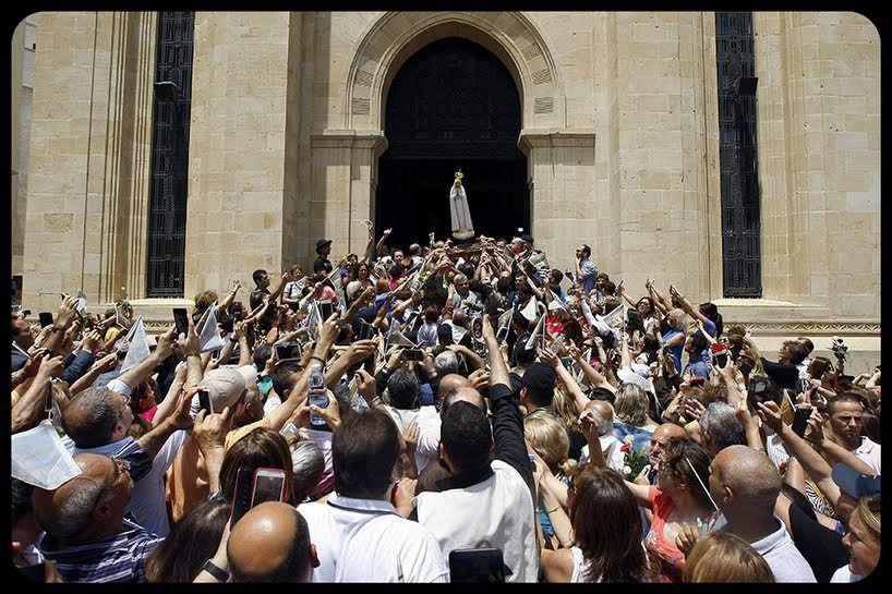 Notre Dame de Fatima visite le parlement à Beyrouth . ( Liban)