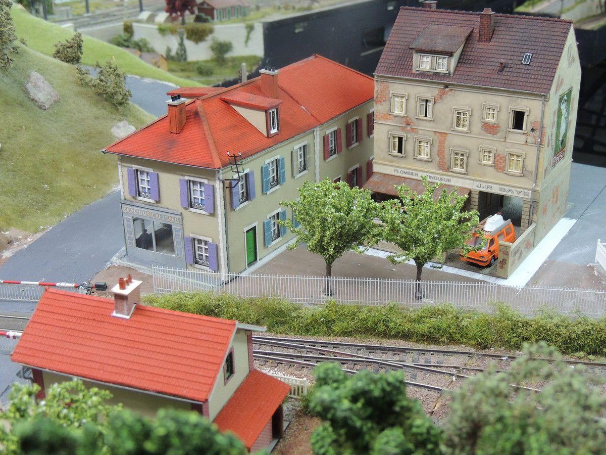 Deux vues du quartier de la gare de BELLEVUE en cours de finition