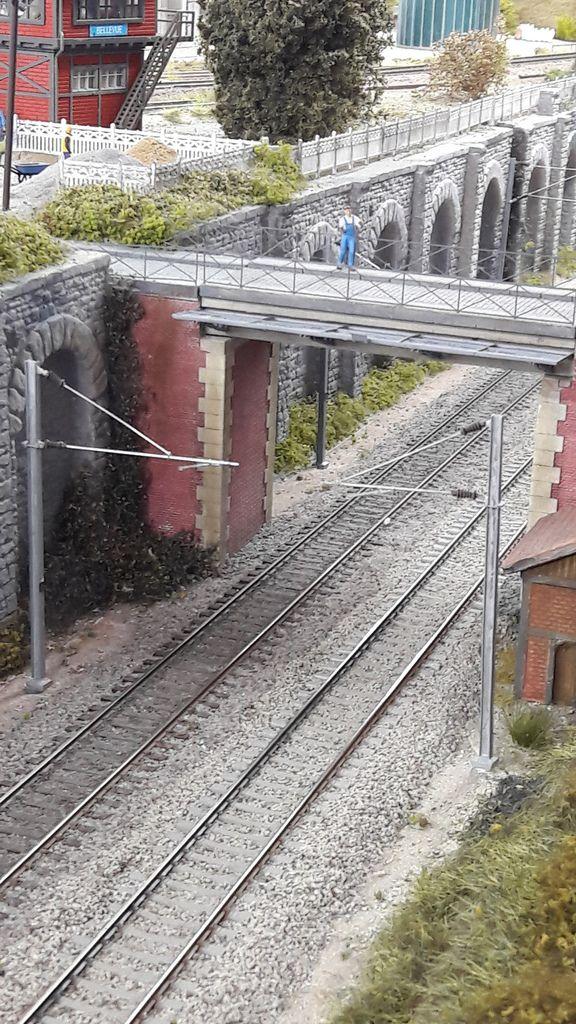 Les travaux d'électrification se poursuivent remplacement des poteaux MS ACCESSORI par des DECAPOD