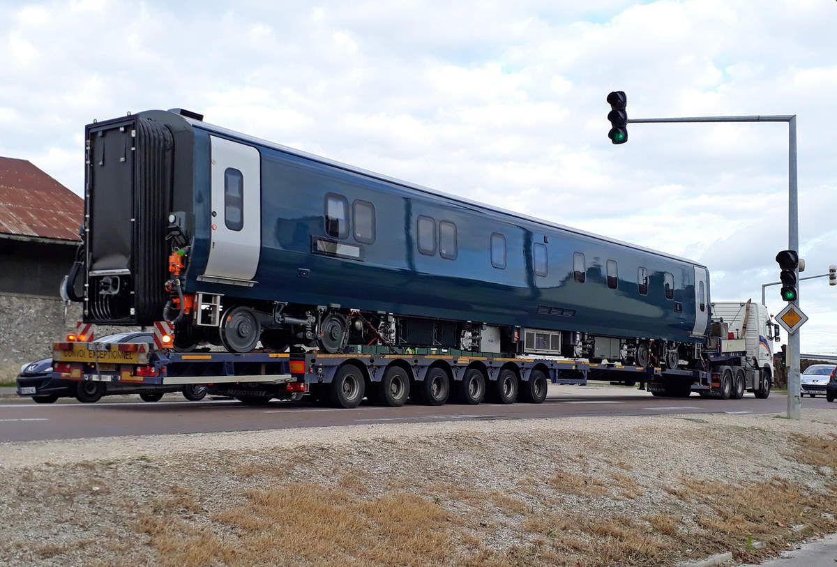 Le 12/10/2017 une voiture MARK V construite par CAF est arrivée par la route au Technicentre SNCF de Romilly-sur-Seine (10) pour y tester ses équipements de climatisation dans l'enceinte climatique de l'établissement. 75 voitures de 5 types différents seront exploitées à partir de 2018 par le franchisé Serco Group pour le service Caledonian Sleeper sur la ligne de la côte ouest de Grande-Bretagne entre Londres et l'Écosse. Les 4 trains prévus pour ce service seront composés de voitures de 1ère classe, de 2ème classe, de voitures salons et de voitures-lits.