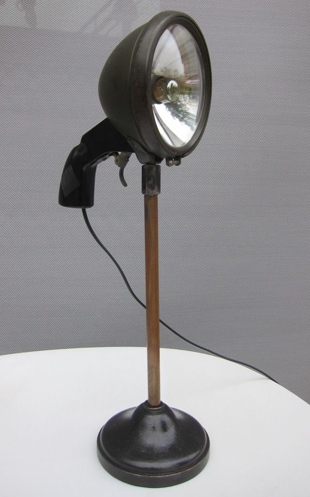 LAMPE PISTOL GRIP