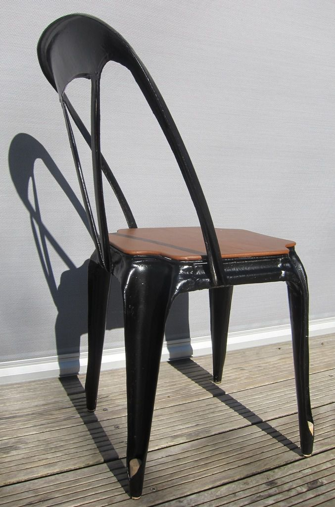 FRENCH MULTIPL'S 1927 BLACK PAINTED METAL CHAIR WITH LEATHER SEAT