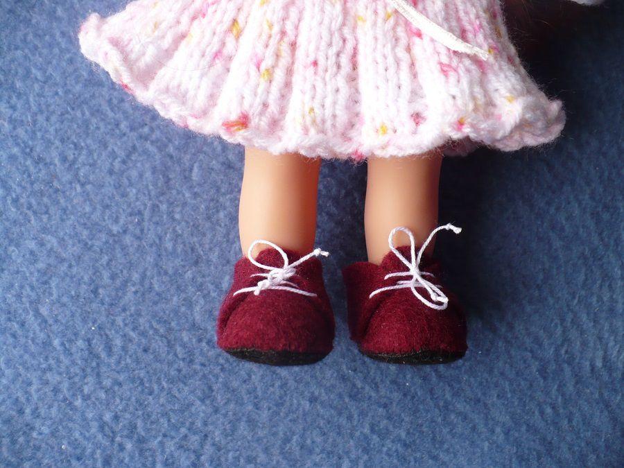 Chaussures feutrine pour poupée