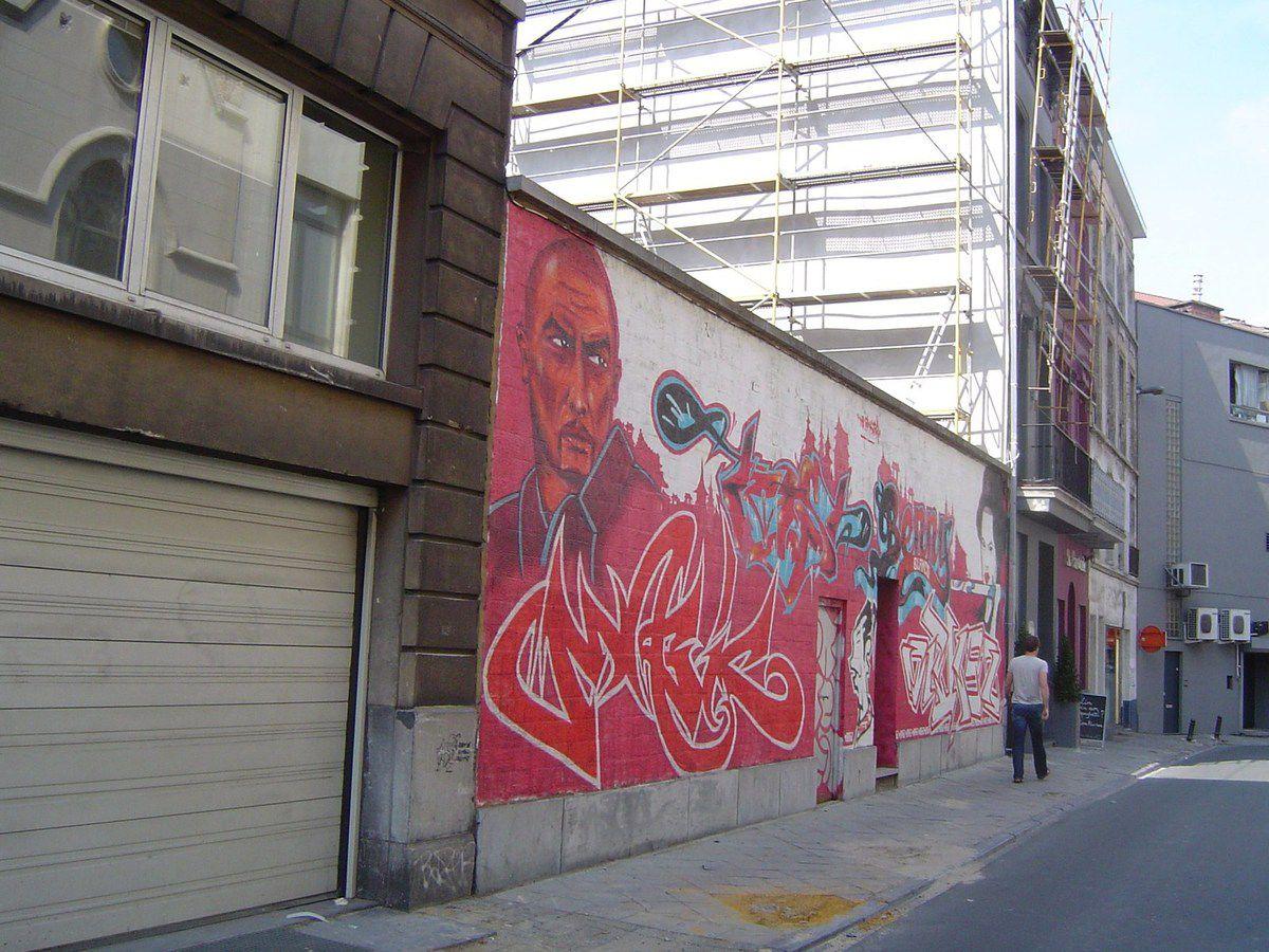 La fresque rouge, Rue Crespel, Ixelles, Bruxelles, Cl. Elisabeth Poulain