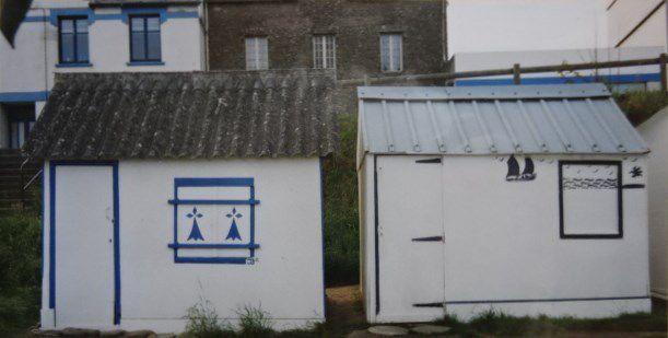 Bretagne, Douarnenez, cabines de plage, les deux voisines, n°2 & 3, Cl. Elisabeth Poulain