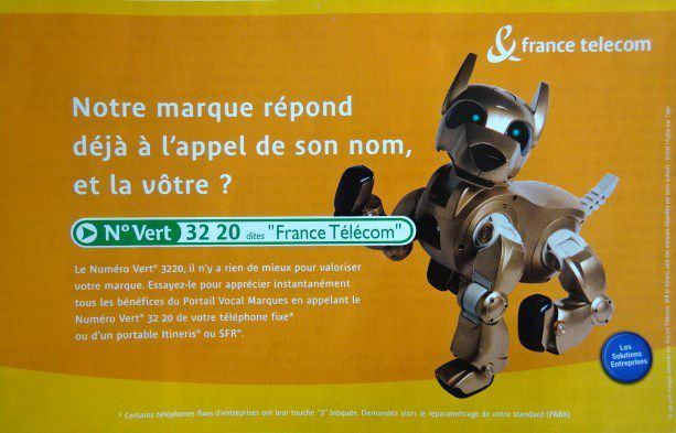 Le chien-robot 1, france telecom, 2001, Marketing magazine, avril 2001, Cl. Elisabeth Poulain