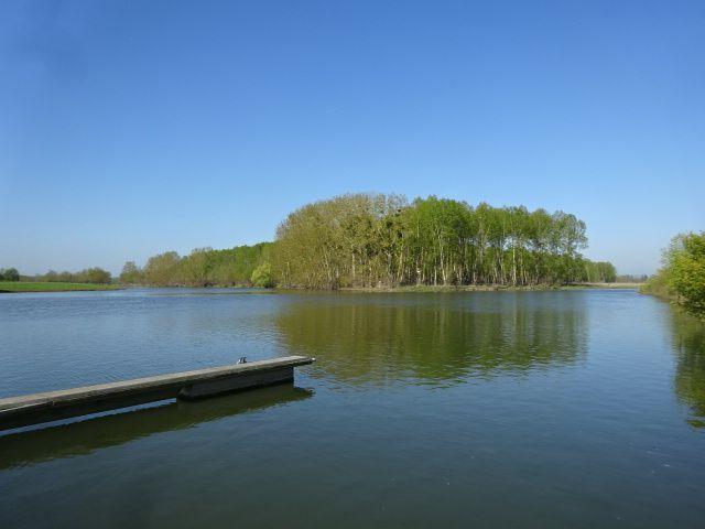 Ecouflant, la confluence, bleus du ciel & de l'eau, verts des arbres &?..., Cl. Elisabeth Poulain