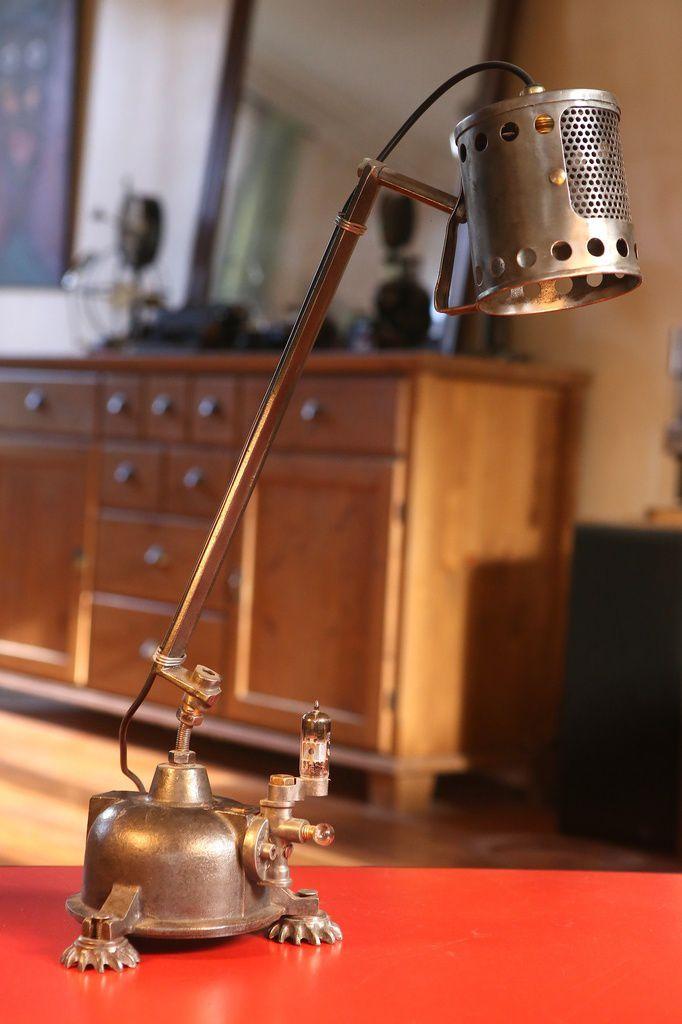 Création lampe luminaire recyclage détournement art récup' métal esprit brocante