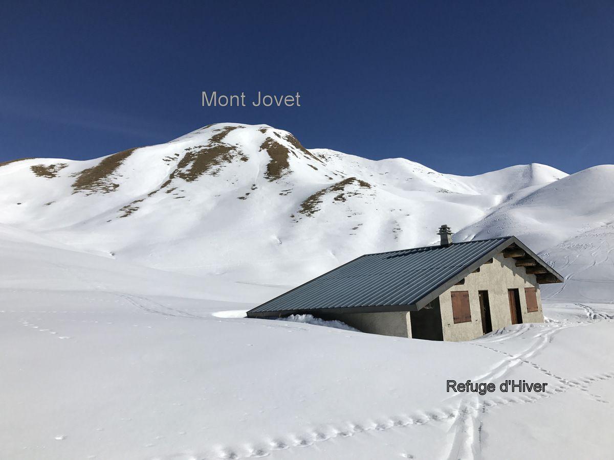 un nouveau refuge d 39 hiver au mont jovet echos de bozel et valvanoise. Black Bedroom Furniture Sets. Home Design Ideas