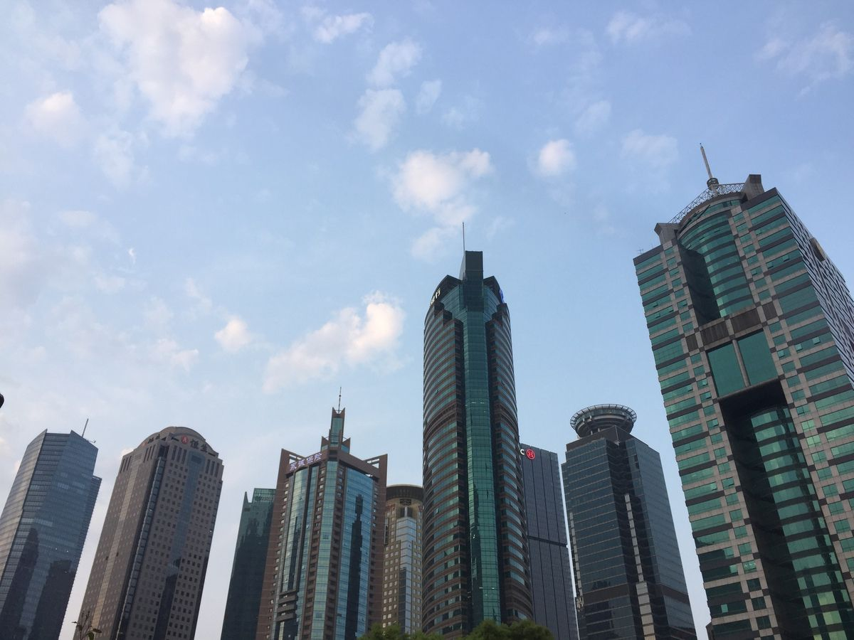 Shanghai at the end of the day  蒙马特之莺——维罗妮卡·安德内里(Veronica Antonelli)#Eurotourvipservice #OTCP #SWTF