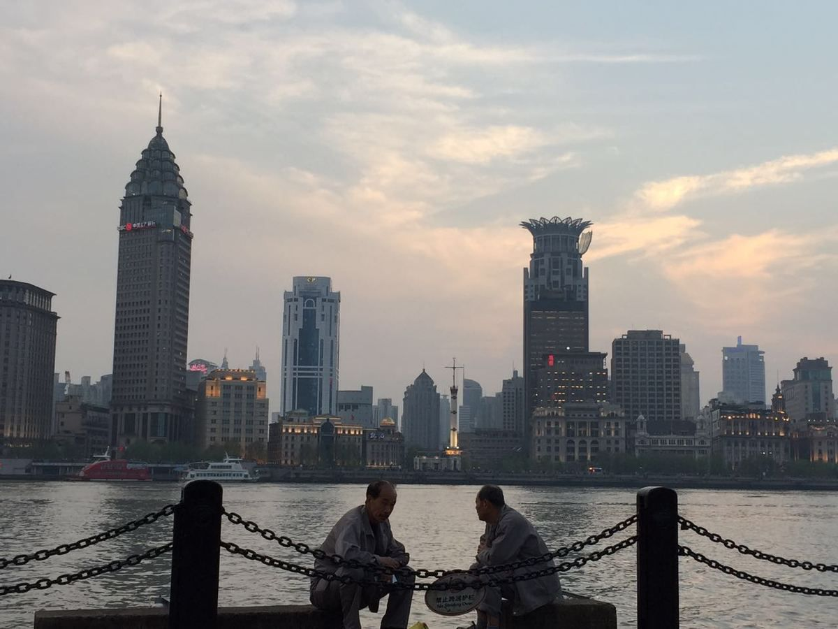 Shanghai at the end of the day  蒙马特之莺——维罗妮卡·安德内里(Veronica Antonelli)