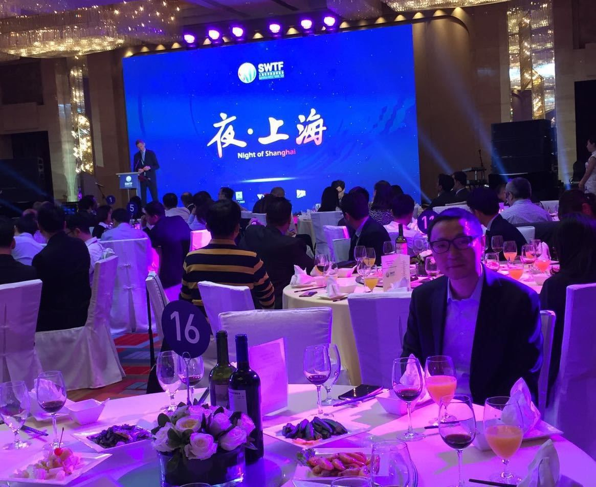 维罗妮卡安东内利在上海 Gala 's dinner for Shanghai World Travel Fair: Veronica Antonelli and Yudong Dai invited