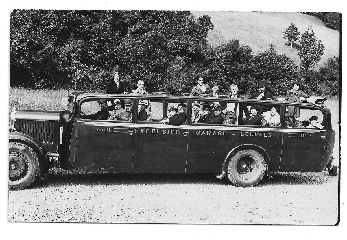 Mes arrière-grands-parents Emile et Alice en vacances à Gavarnie. Remarquez le superbe véhicule ! - Archives peronnelles (cliquez pour agrandir)