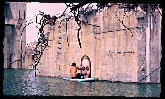 Le paddle-art, street-art sur l'eau de Hula.