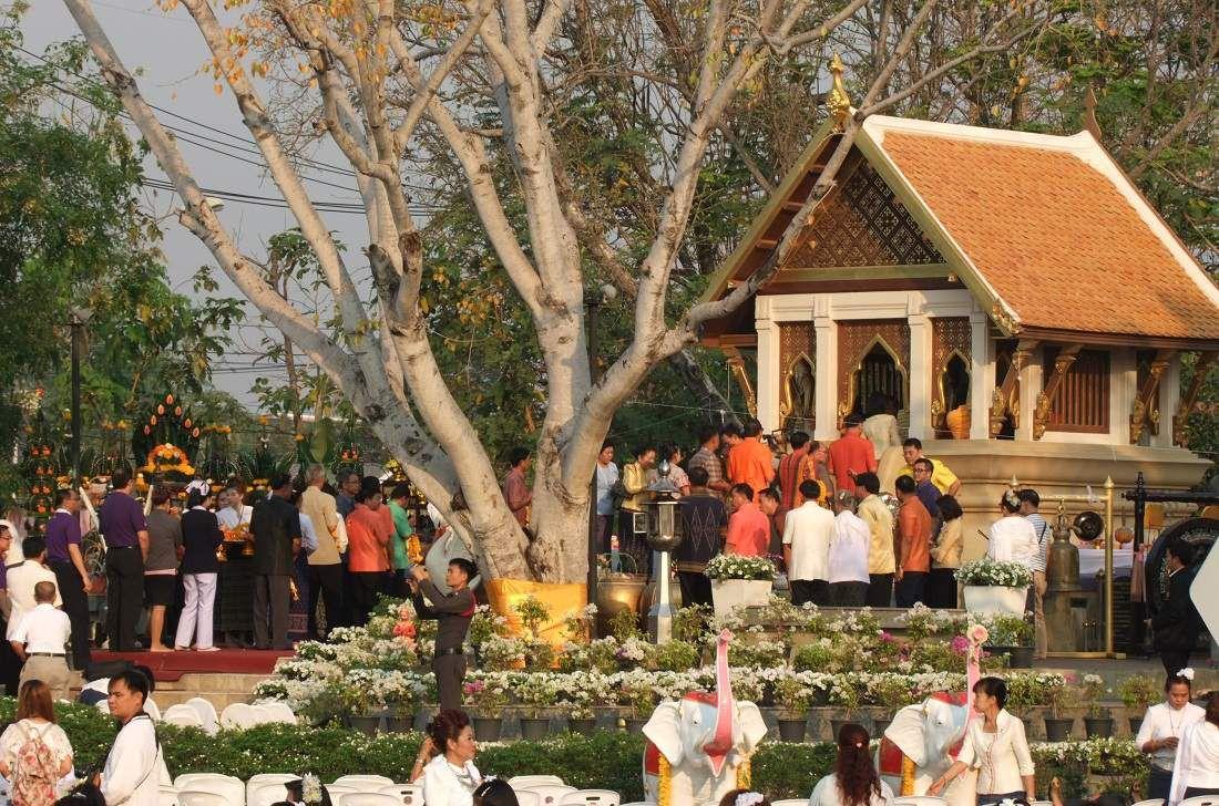 4 mars 2015 : Udonthani. Fête religieuse Makha Bucha