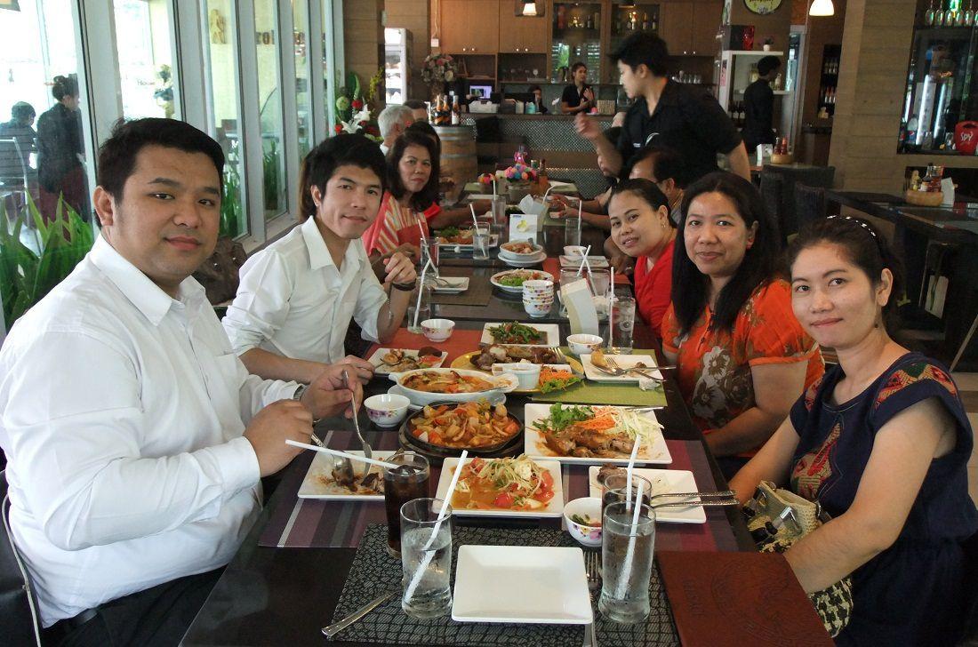 15 mars 2015: Invitation à un repas d'Anniversaire