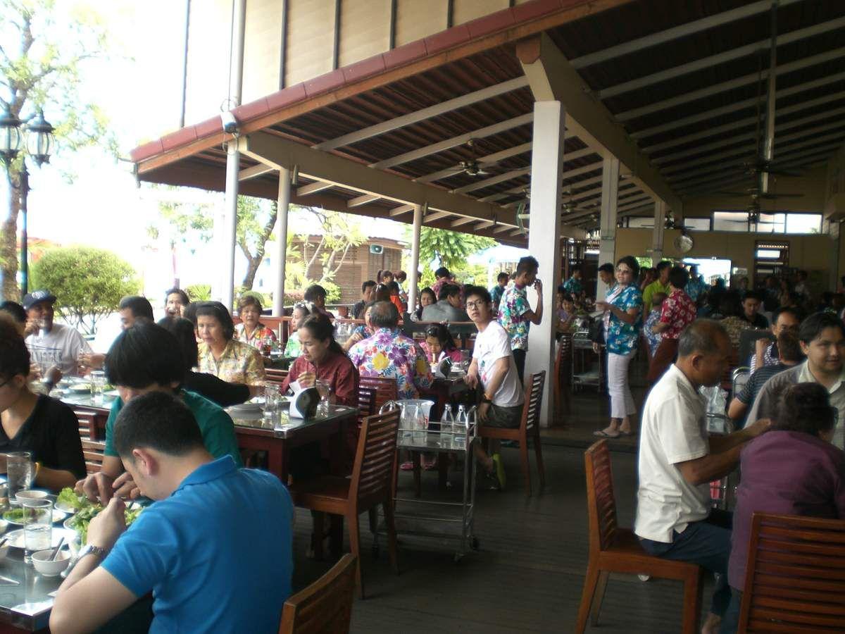 J'ai testé pour vous: Le « Daeng Namnuang restaurant » de Nong Khai