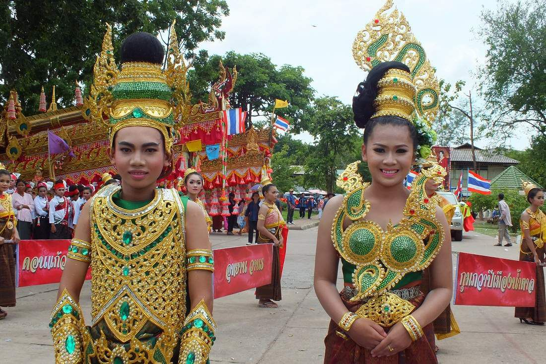 22 mai 2015: Udonthani: Parade de Kumpawapi (2e partie : Le défilé)