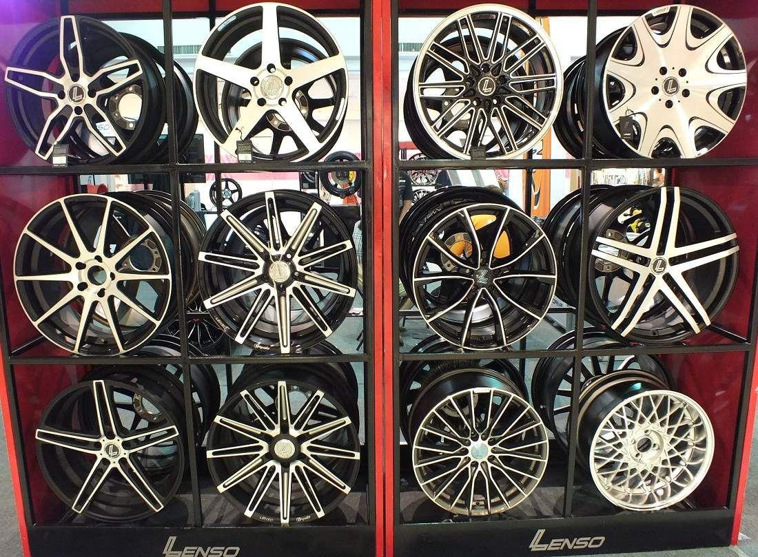 17 au 25 aout 2015: Udonthani.  Isan Mini Motor Show 2015