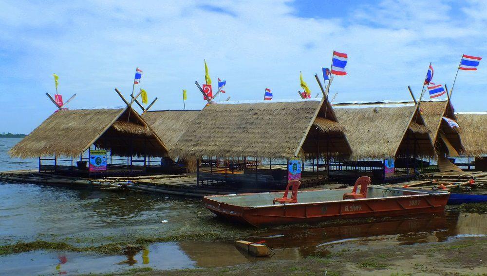 Udonthani: Les Restaurants flottants du « Nam Pan Lake »