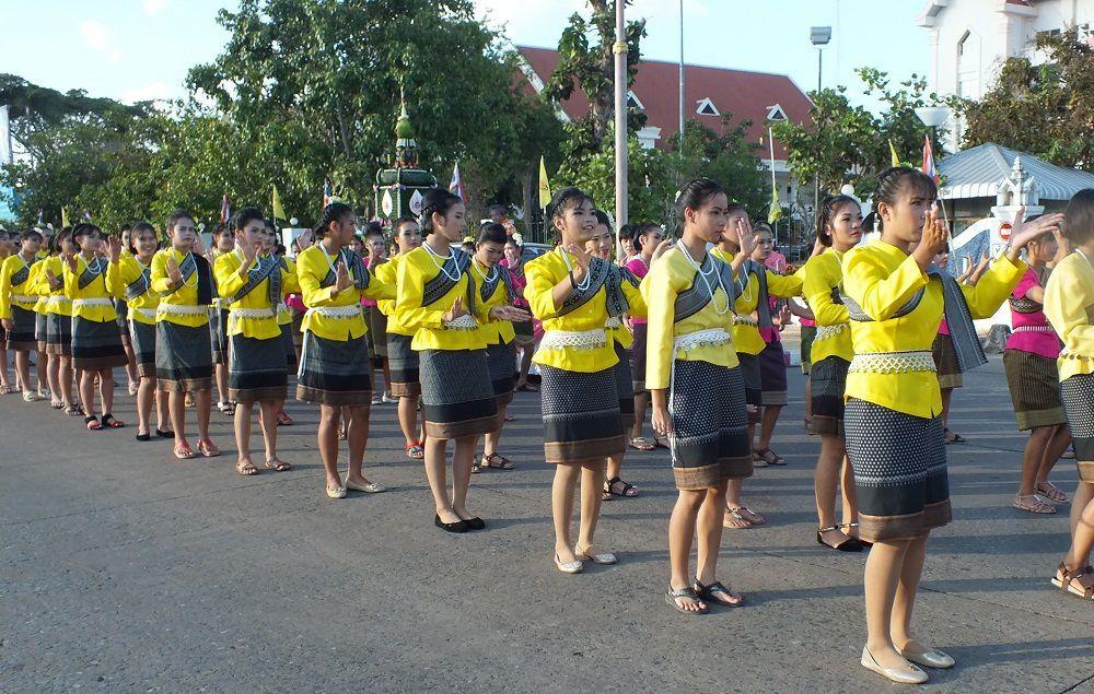 25 novembre 2015: Udonthani: Loy Krathong 2015 (1e partie)