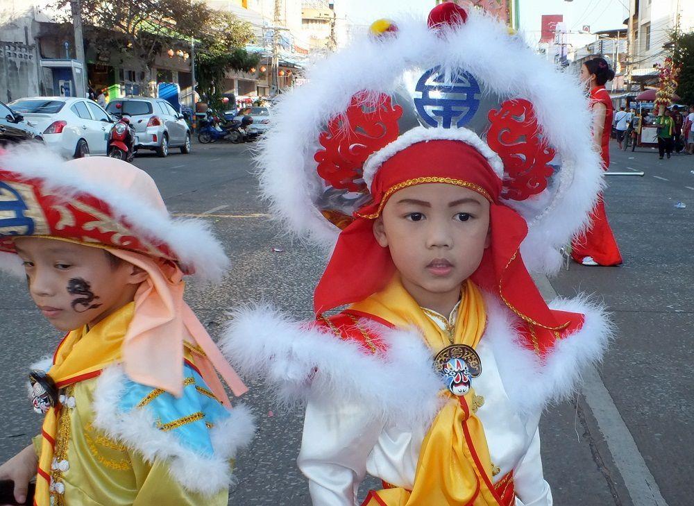 1 décembre 2015 : Udonthani: Parade d'ouverture du Festival Thung Si Muang. 2e partie