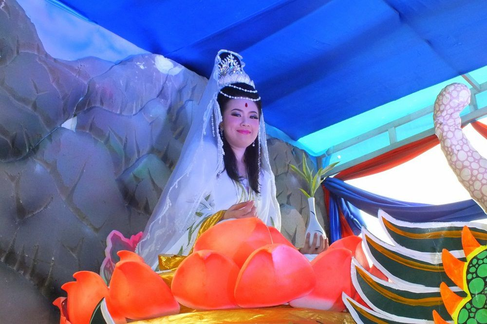 5 décembre 2015 : Udonthani. Parade chinoise