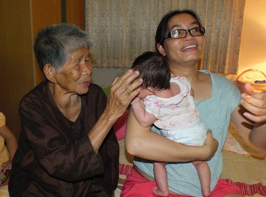 Noël 2016: Udonthani. Visite de la famille de Jang.