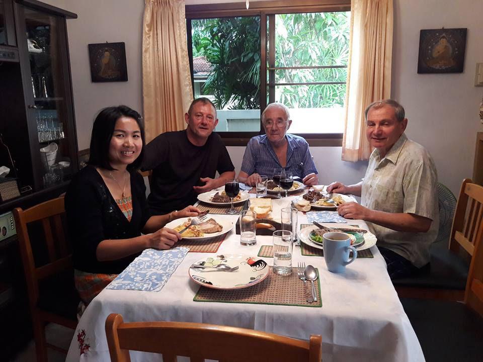 2 janvier 2017: Udonthani : Repas avec Yvon et Louis.