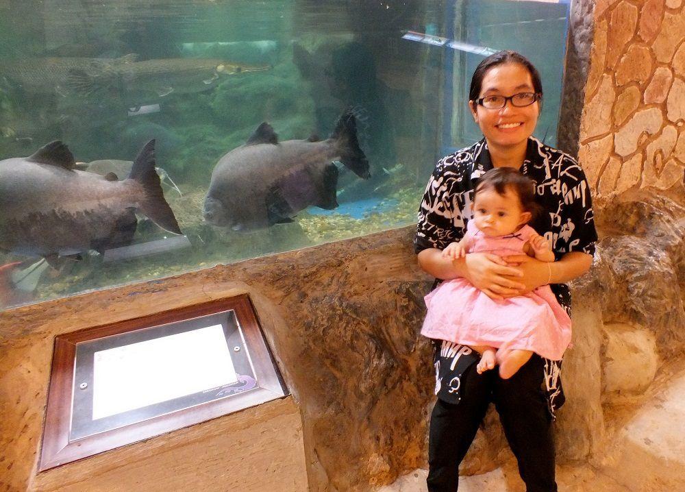 3 juin 2017 : Mélanie à l'aquarium de Nong Khai